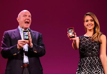 Джессика Альба рекламирует Nokia